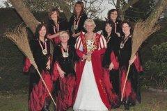 Prinzessin-und-ihre-Hexengarde
